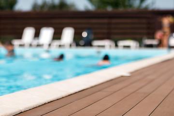 Séjourner dans un camping avec piscine en famille dans le sud de la France