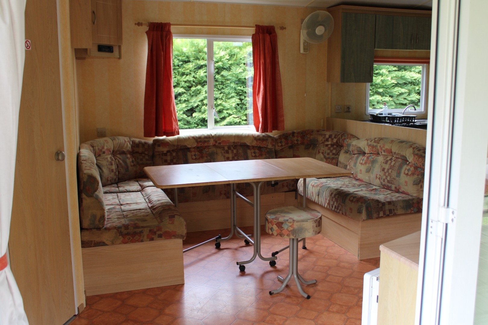 Grand mobil-home 6 personnes à Casties-Labrande