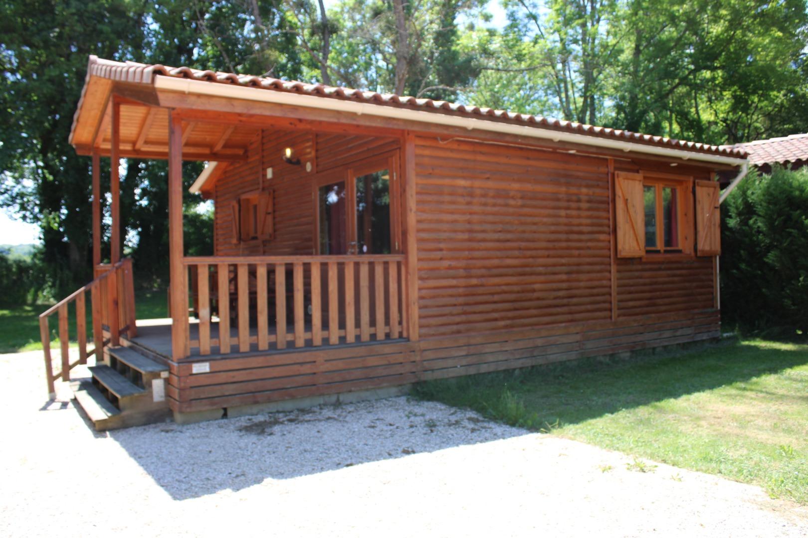 Location chalet bois 6 personnes à Casties-Labrande